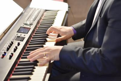 Patrick Elisha hands on keyboard at SMG - Easter 04/12/20